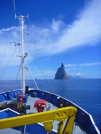The bow of Southern Surveyor heading to Ball's Pyramid (image Michelle Linklater)