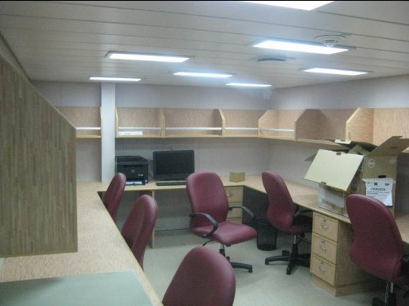 RV Investigator's science office
