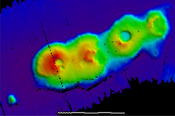 inv2015_v03_caldera_4_scalebar_10kmlong