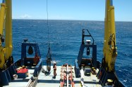 Retrieving the rock dredge on board Southern Surveyor (image MNF +Tom Hubble)