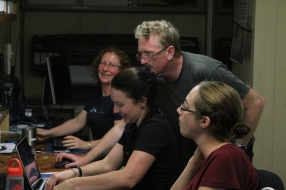 Tom Hubble and fellow scientists in the Operations Room on board Southern Surveyor (image MNF + Karl Forcey)